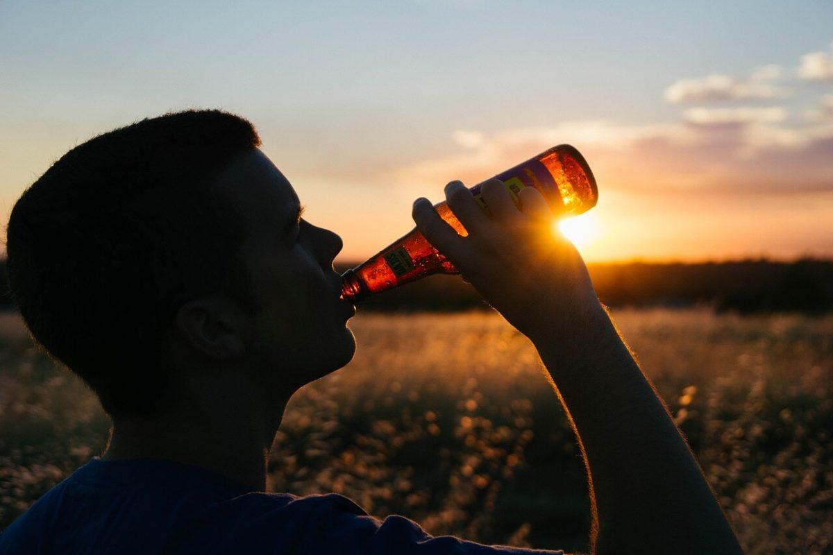negatywne-skutki-picia-alkoholu